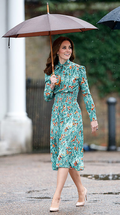 kate-holiday-style-green-dress