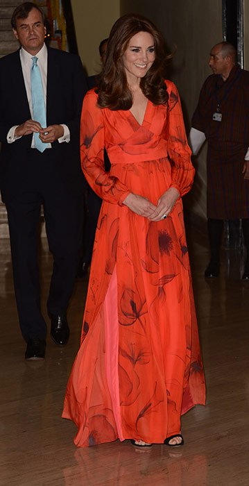 kate-holiday-style-red-v-neck-dress